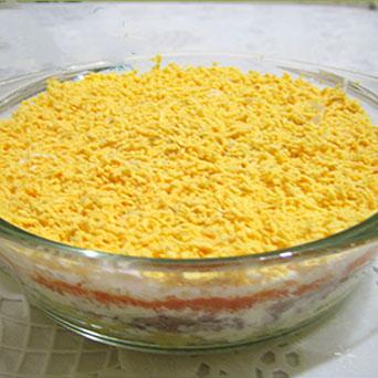 салат с горбушей слоями