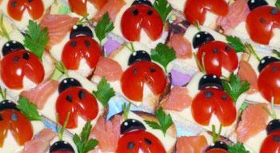 Бутерброды с красной рыбой божья коровка
