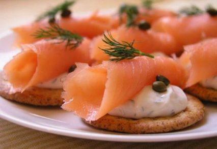 бутер лосось и сыр