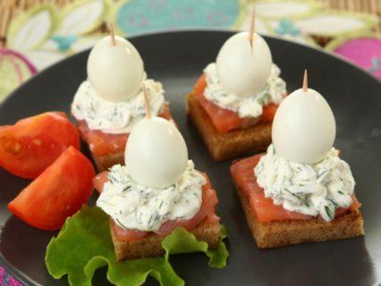 бутер лосось и яйцо