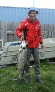 рыбак и чавыча